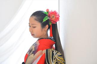 花嫁を担当している美容師のメイク・着付けで誰よりも美しく。